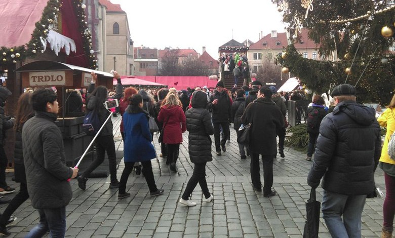 christmas old town square market prague 780x470