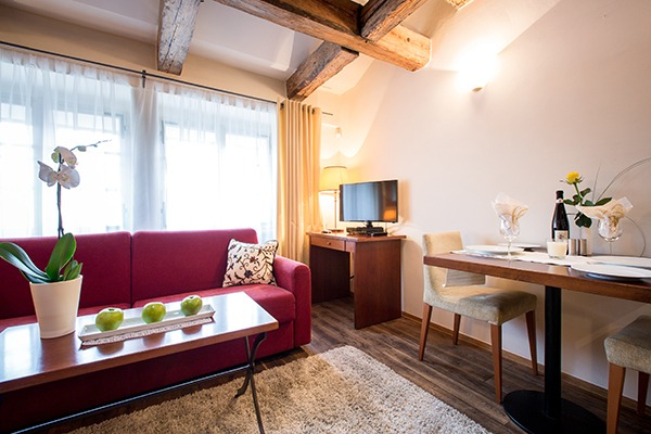 the nicholas hotel prague double room deluxe 600x400