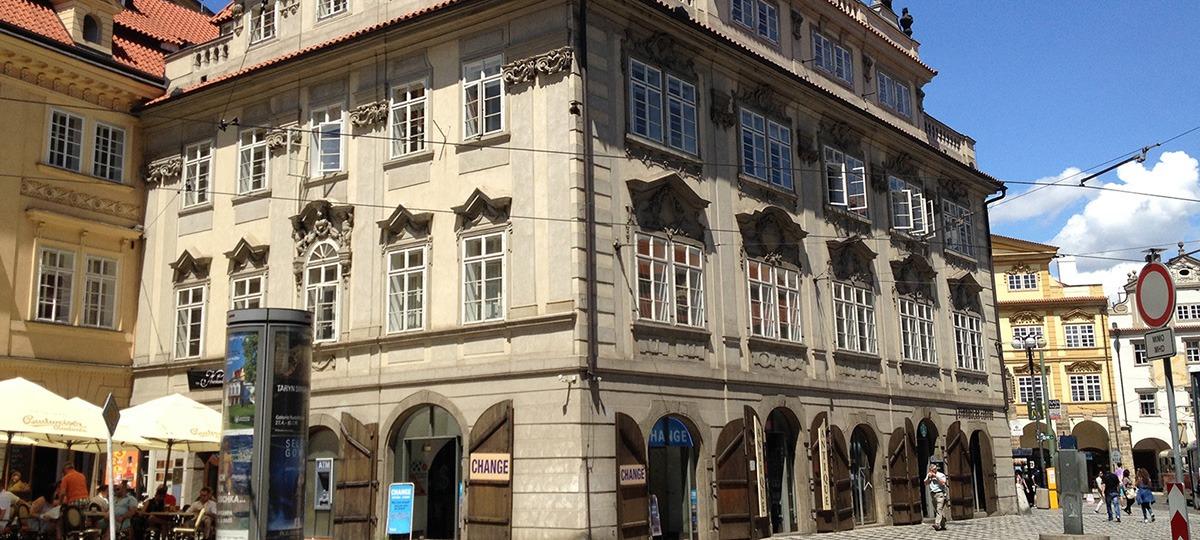 the_nicholas_hotel_exterior_slider_1_1200x540