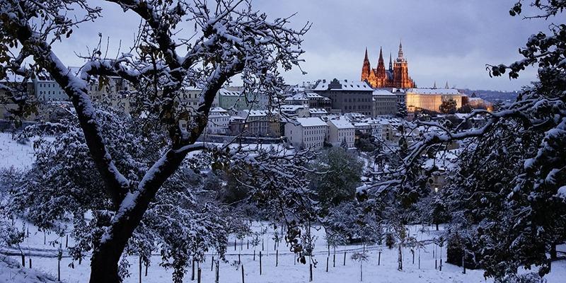 prague_castle_in_the_winter_800x400